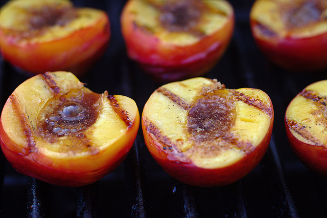 have always wanted to try grilled peaches. When I saw fresh peaches ...